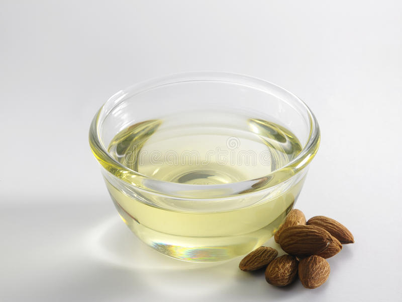 Huile d'amandes image stock