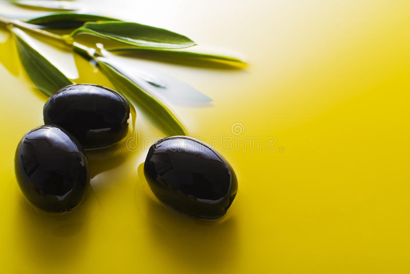 Huile d'olive photographie stock libre de droits