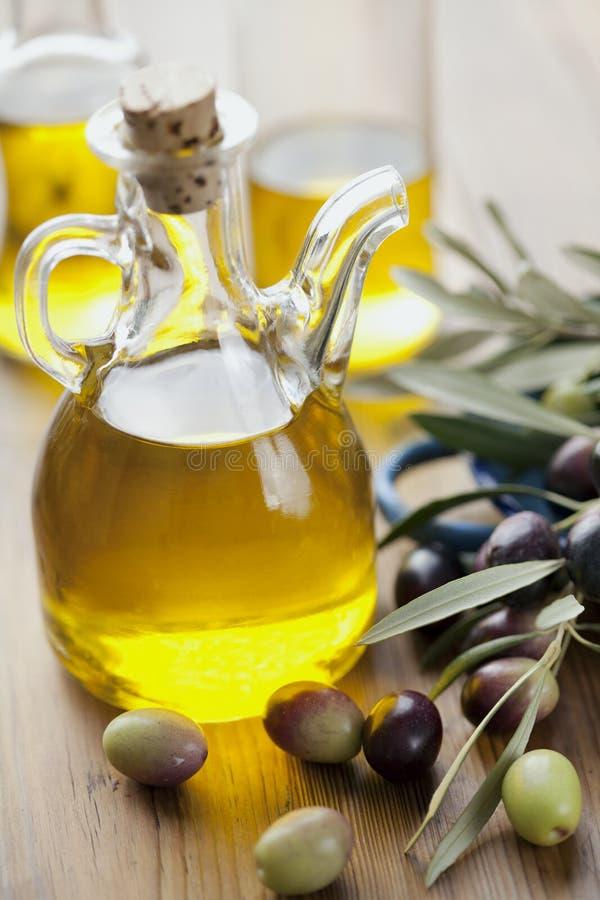 Huile d'olive vierge suppl?mentaire photo libre de droits