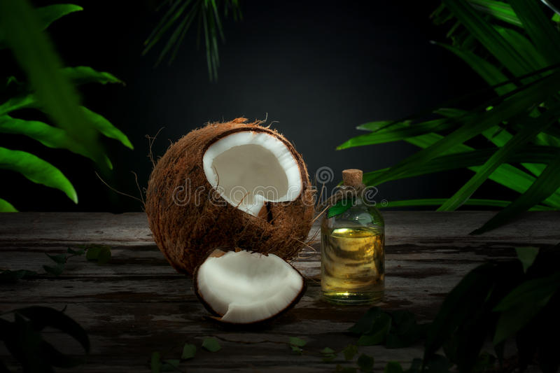 Huile de noix de coco photo stock