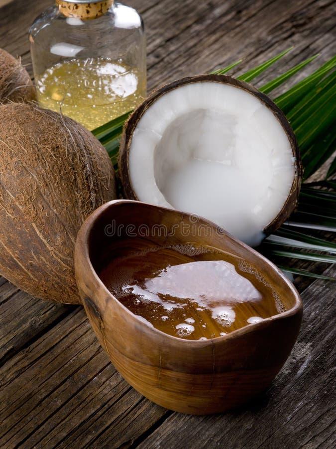 Huile de noix de noix de coco photographie stock libre de droits