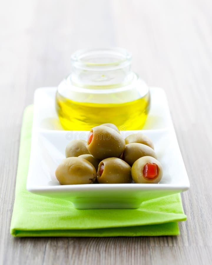 Huile olive et d'olive image stock