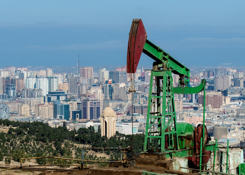Huile Wells de Bakou photographie stock libre de droits