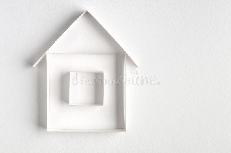 Huis dat van document wordt gemaakt royalty-vrije stock afbeeldingen