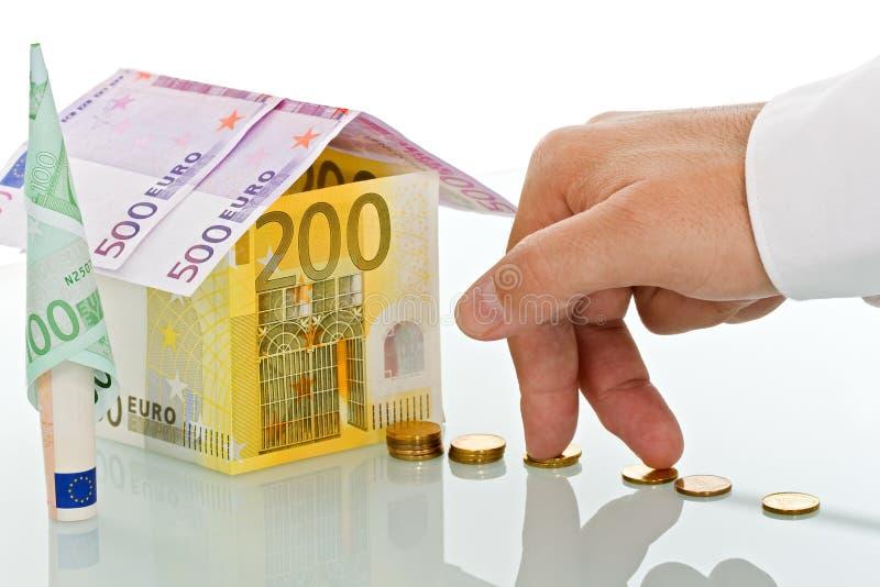 Huis dat van geld wordt gemaakt royalty-vrije stock foto