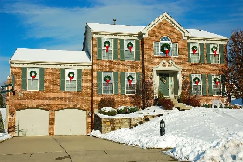 Huis in de Winter royalty-vrije stock afbeelding