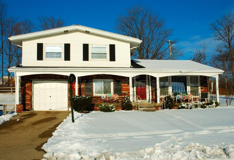 Huis in de Winter royalty-vrije stock foto's
