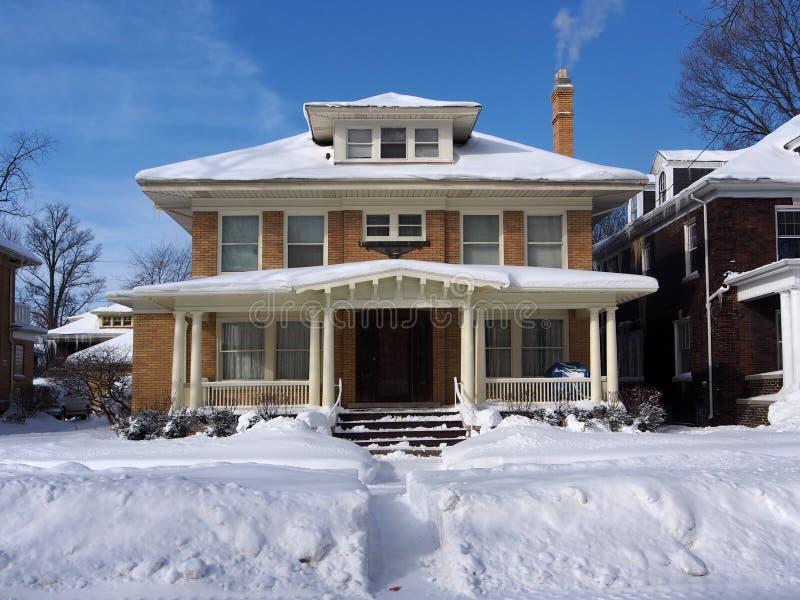 Huis in de Winter stock foto