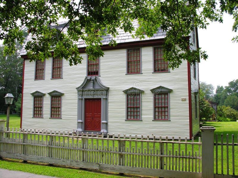 Huis In De Zomer Royalty-vrije Stock Afbeeldingen