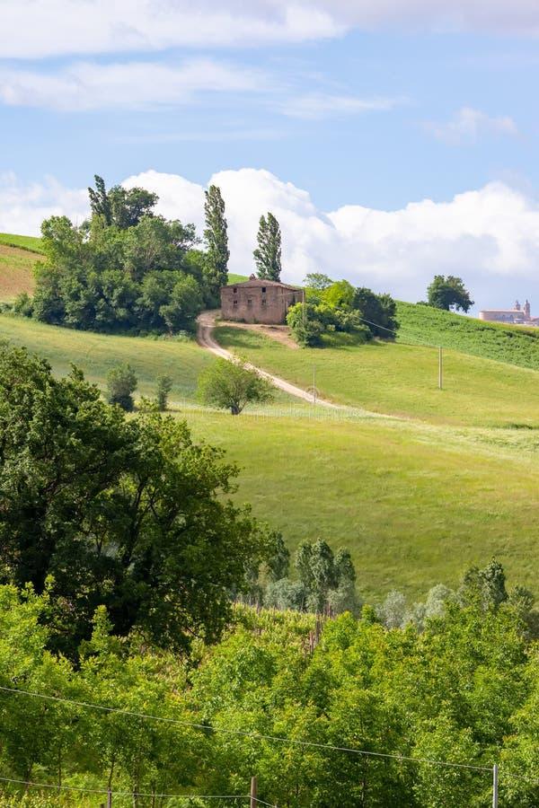 huis dichtbij Camerino in Italië Marche stock afbeeldingen