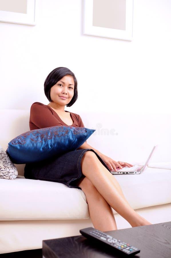 Huis Internet stock afbeeldingen
