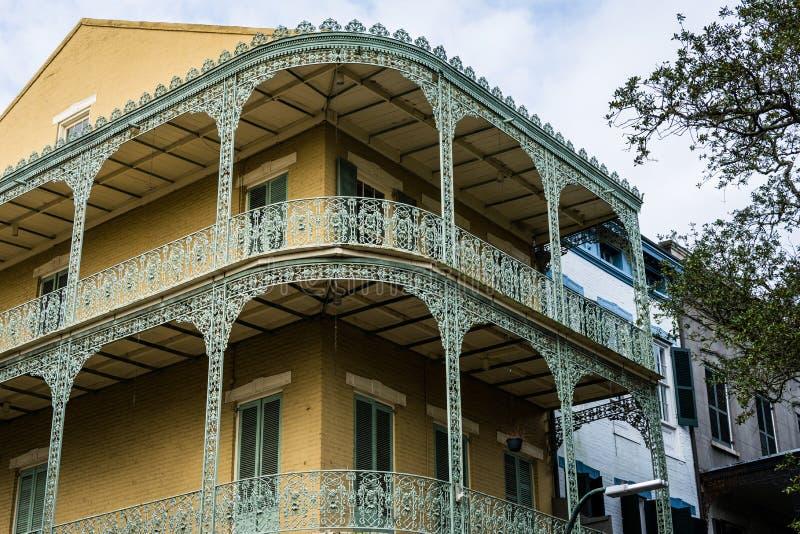 Huis met balkons in het Franse Kwart, in New Orleans, Louisiane stock afbeelding