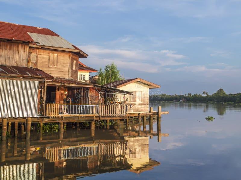 Huis op het water stock afbeelding