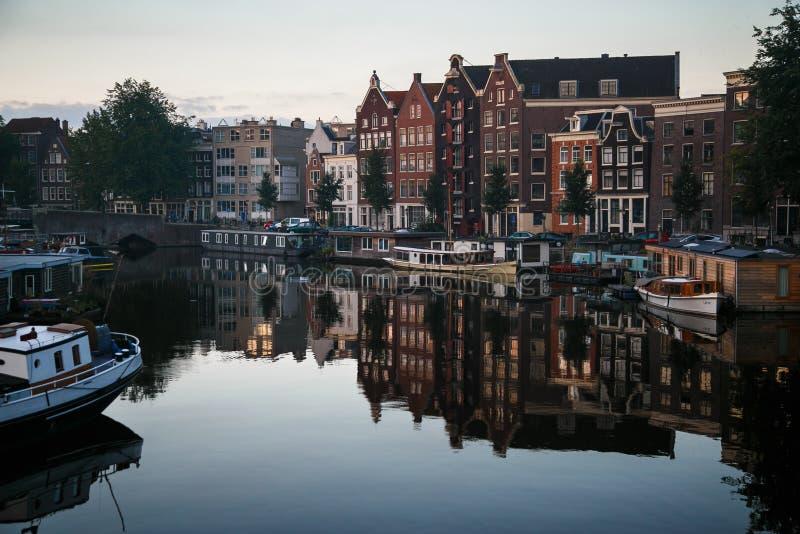 Huis op het Water Amsterdam royalty-vrije stock afbeelding