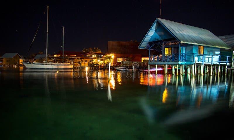Huis op het water in Bocas DE Toro stock foto
