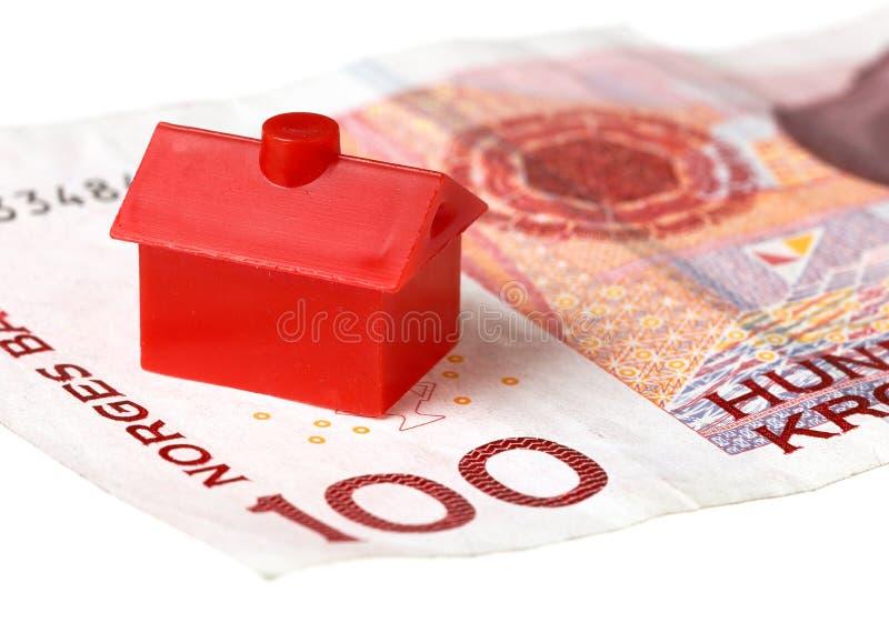 Huis op Noors bankbiljet royalty-vrije stock afbeelding