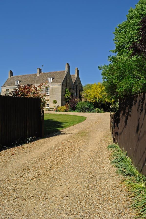 Huis in platteland stock foto's