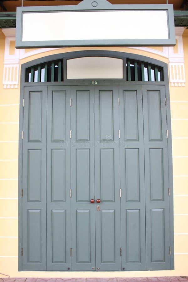 Huis 's deur stock afbeeldingen