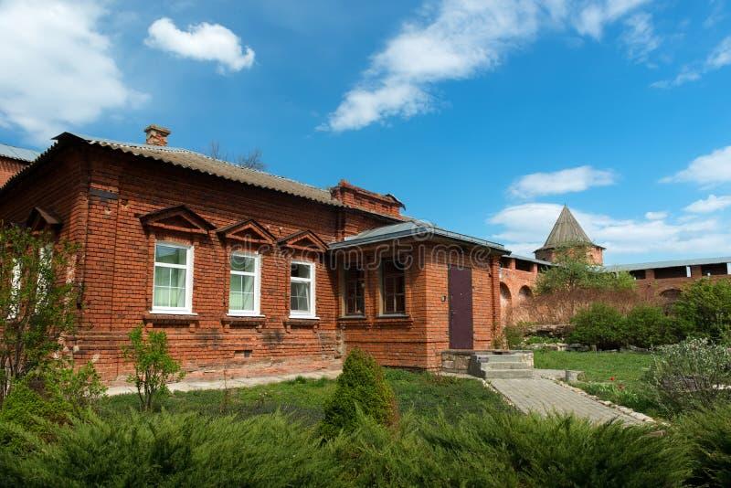 Huis van geestelijkheid in het zaraysky Kremlin royalty-vrije stock fotografie