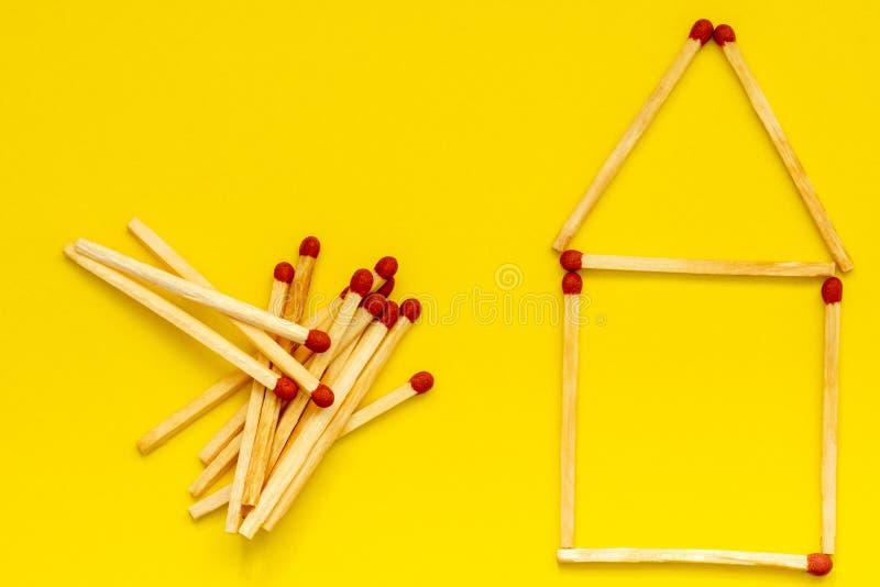Huis van gelijken stock afbeelding