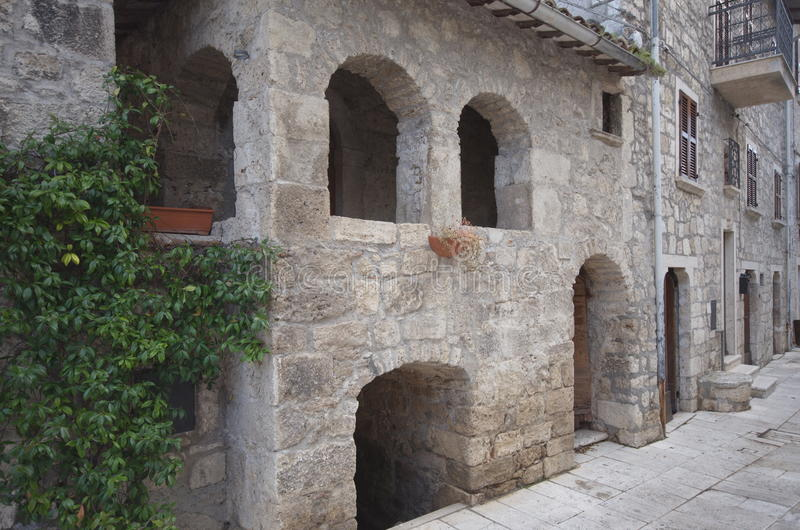 Huis van Re Manfrì, Castel Trosino royalty-vrije stock foto's