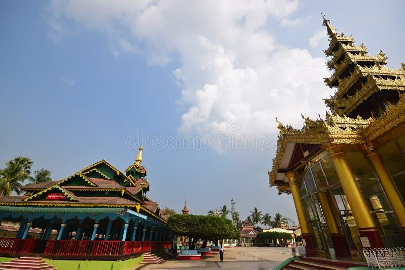 Huis van verering bij Shwemawdaw-Pagode in Bago, Myanmar royalty-vrije stock afbeeldingen