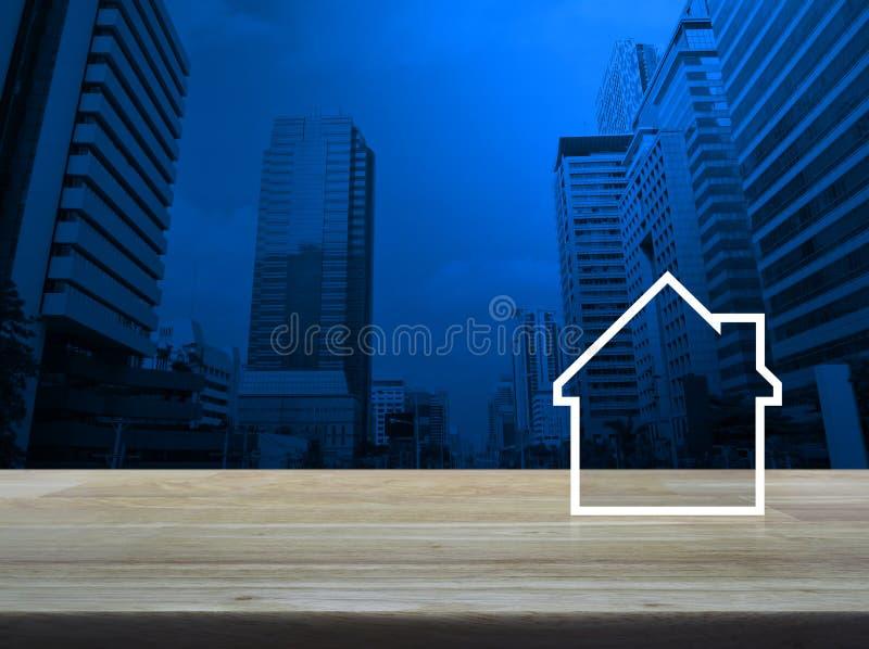 Huis vlak pictogram met exemplaarruimte op lijst over de moderne toren van de bureaustad en wolkenkrabber, Bedrijfsonroerende goe royalty-vrije stock fotografie