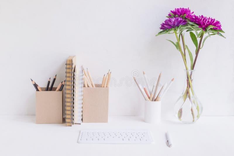 Huisbureau voor freelancer, blogger royalty-vrije stock foto