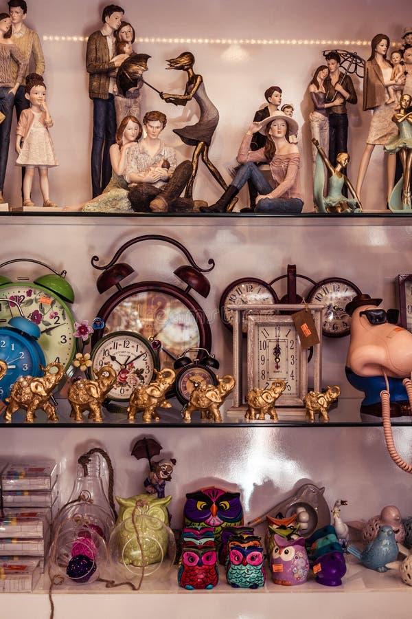 Huisdecoratie in een Binnenhuisarchitectuurwinkel stock foto