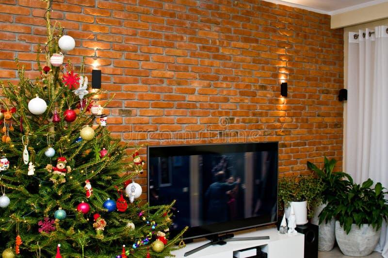 Huisdecoratie voor Kerstmis, televisiemuur royalty-vrije stock foto