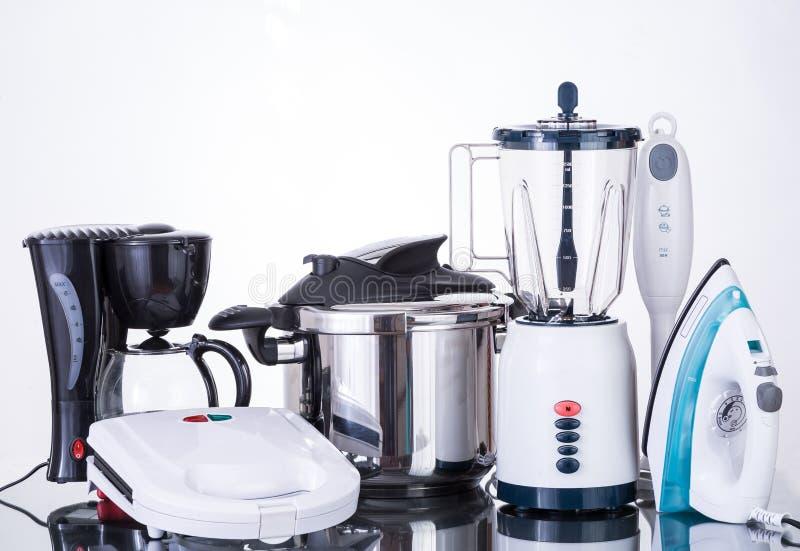Huishoudapparaten op een neutrale achtergrond stock fotografie