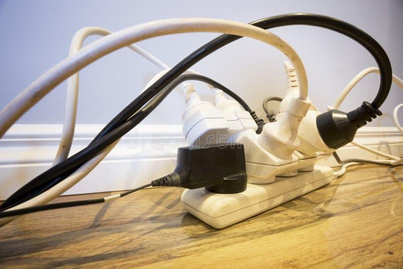 Huishoudenelektrische veiligheid stock afbeelding