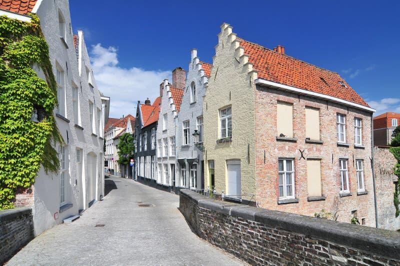 Huishoudens langs het kanaal in Brugge België stock fotografie
