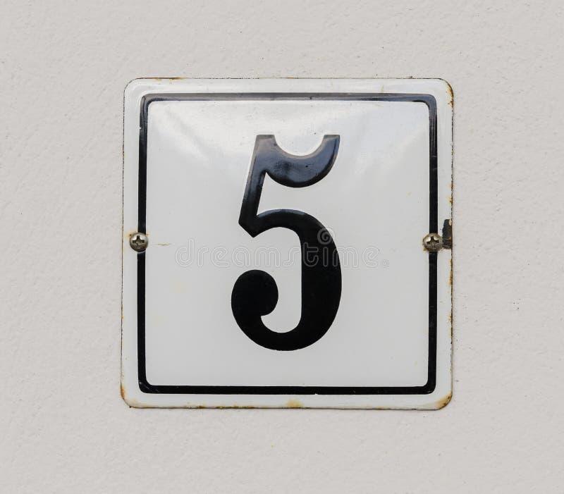 Huisnummer 5 stock afbeeldingen