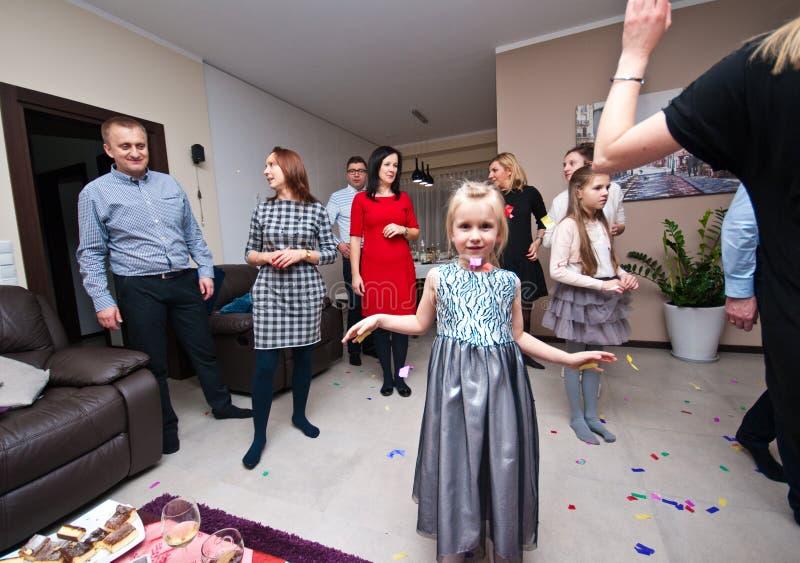 Huispartij bij Nieuwe Years' Vooravond stock fotografie