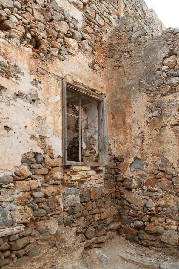 Huisruïnes, Spinalonga-de Vesting van de Lepralijderkolonie, Elounda, Kreta stock foto