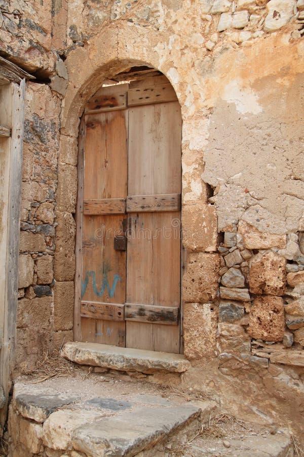 Huisruïnes, Spinalonga-de Vesting van de Lepralijderkolonie, Elounda, Kreta royalty-vrije stock afbeeldingen