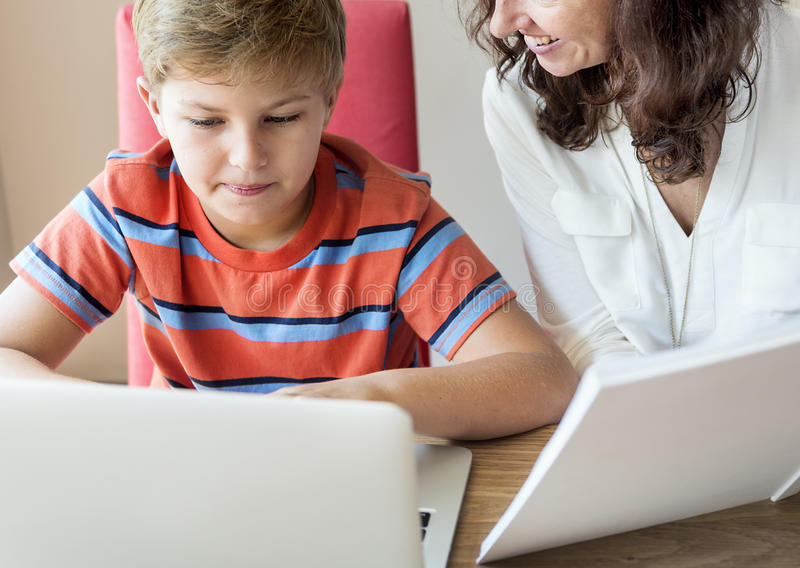 Huisschool het Leren het Concept van de Thuiswerklezing stock foto's