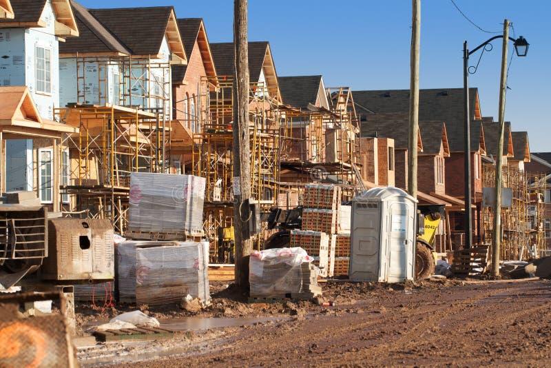 Huisvesting in de voorsteden in aanbouw stock fotografie