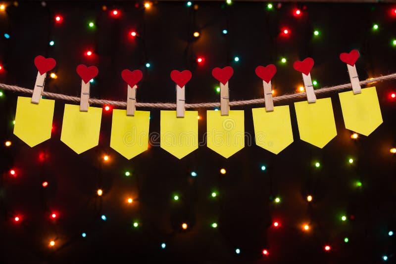 Huit drapeaux de vacances avec des coeurs photo libre de droits