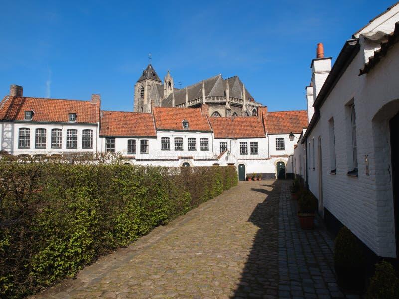 Huizen in Beguinage in België royalty-vrije stock afbeelding