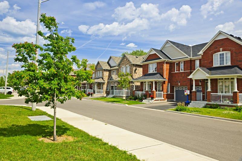 Huizen in de voorsteden stock foto's