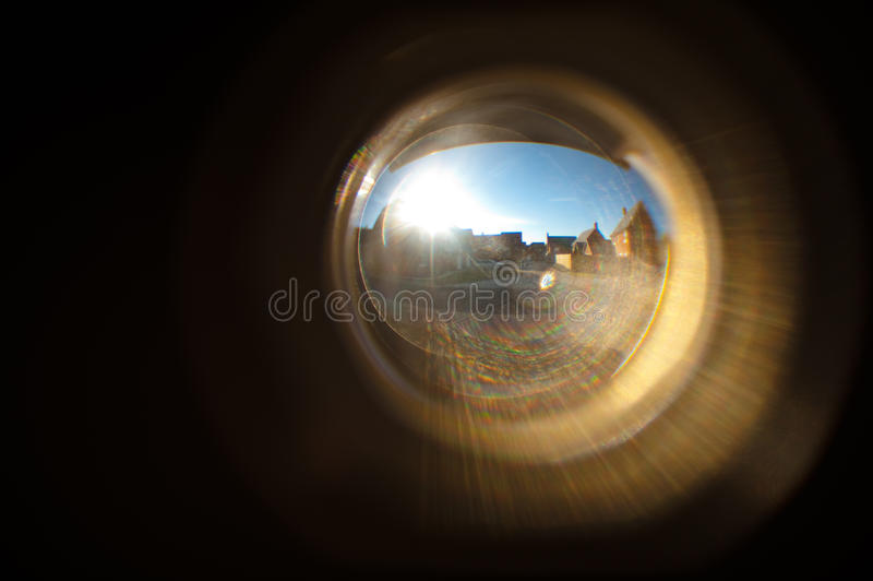 Huizen in deurKijkglas royalty-vrije stock fotografie