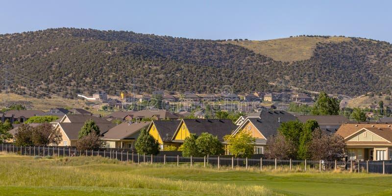 Huizen dichtbij golfcursus in Eagle Mountain Utah stock fotografie