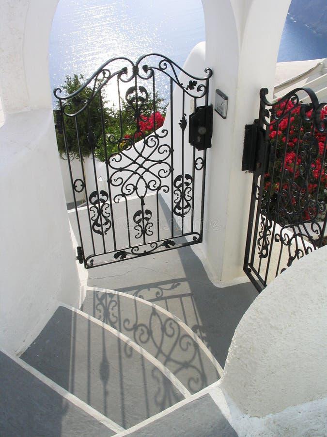 Huizen door het overzees, Santorini, Griekenland royalty-vrije stock foto