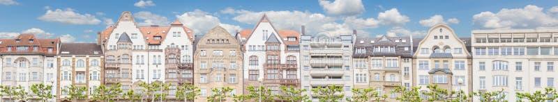 Huizen in Dusseldorf stock afbeelding