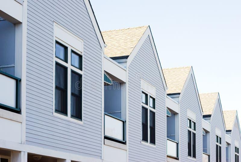 Huizen in een rij stock fotografie