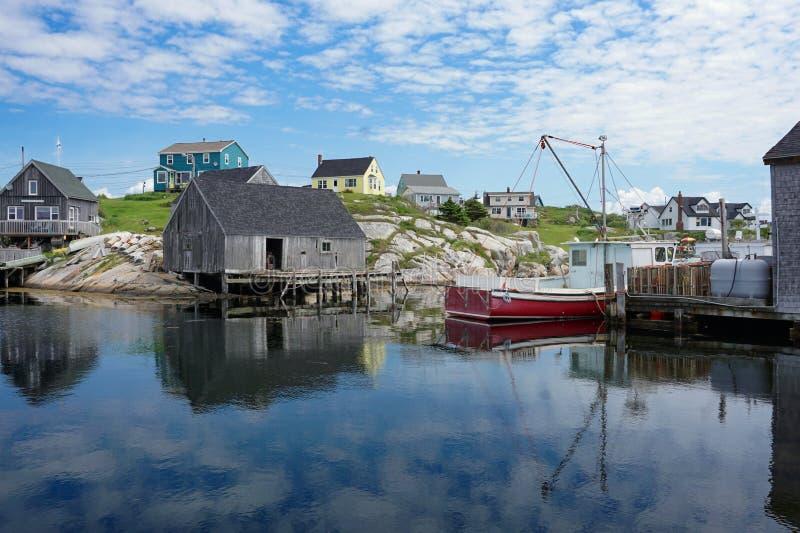 Huizen en boten in de Inham van Peggy, Nova Scotia royalty-vrije stock foto's