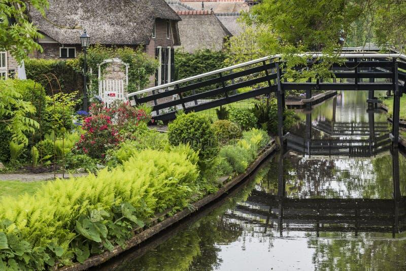 Huizen en Bruggen Giethoorn Overijssel royalty-vrije stock afbeelding