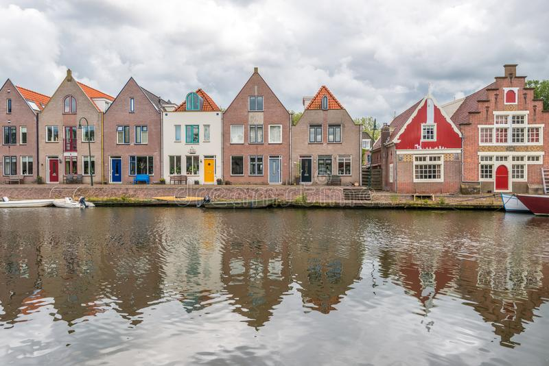 huizen naast rivier, Edam, Nederland royalty-vrije stock fotografie